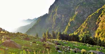 kasol tour package by tempo traveller